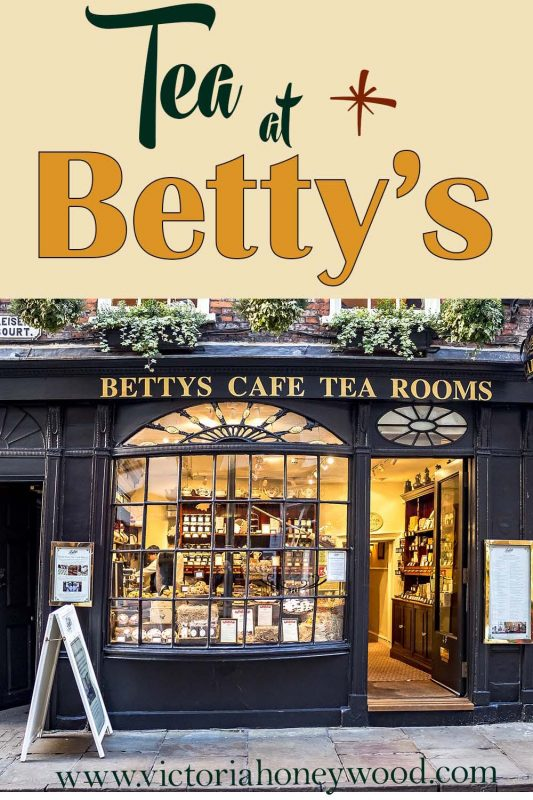 Betty's Tearooms in Yorkshire have become an institution. I was fortunate enough to have tea at their York teashop. I wasn't disappointed
